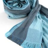 Exklusiver Schal aus Seide mit Stahlkern