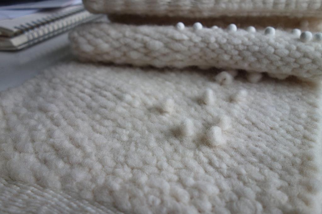 Textile Umsetzung Brailleschrift Gina Plantera